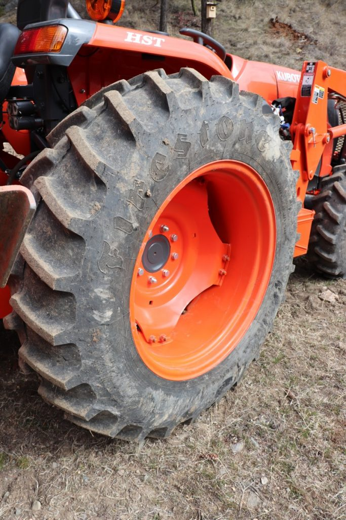 Are farm tractor tires tubless