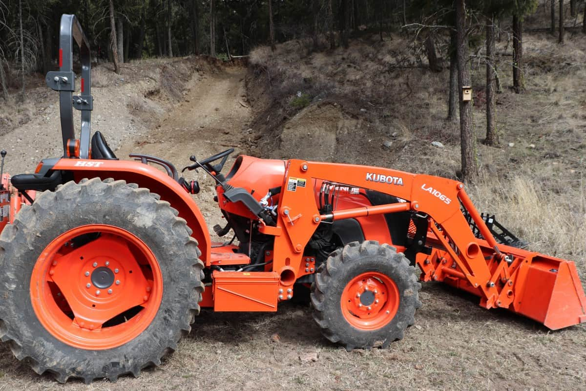 Are tractor tires tubeless